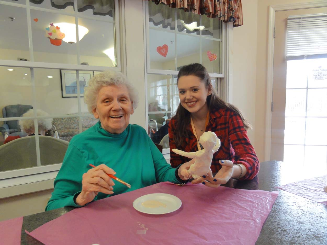 Photo of residents doing artwork at Bristol Village Memory Care Facilities in Buffalo NY